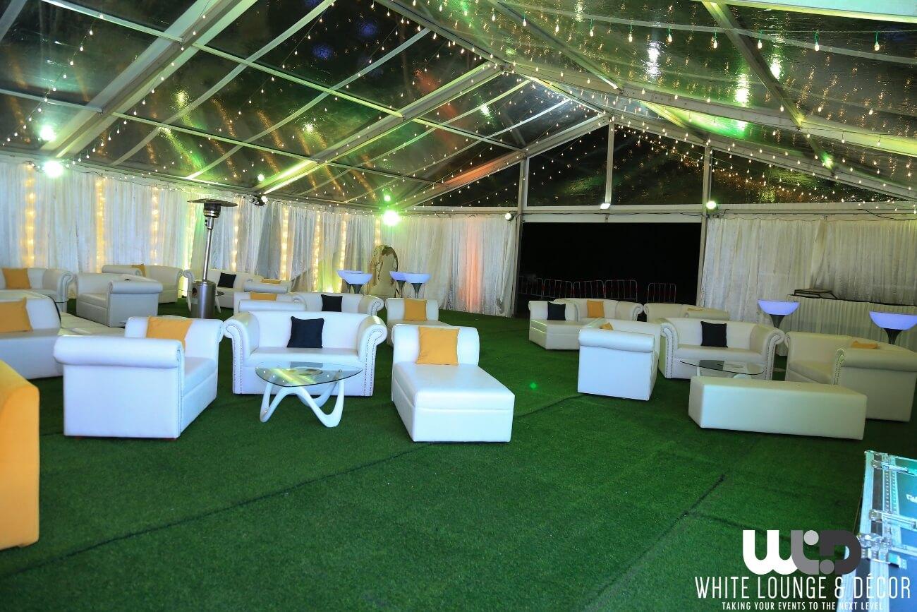 White Lounge & Decor